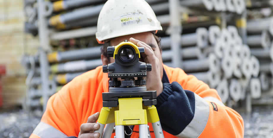 Automatic Surveying Level Comparison